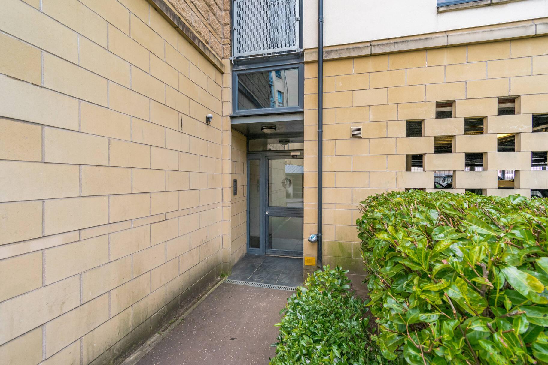 9/15 Hawkhill Close, Edinburgh, EH7 6FG