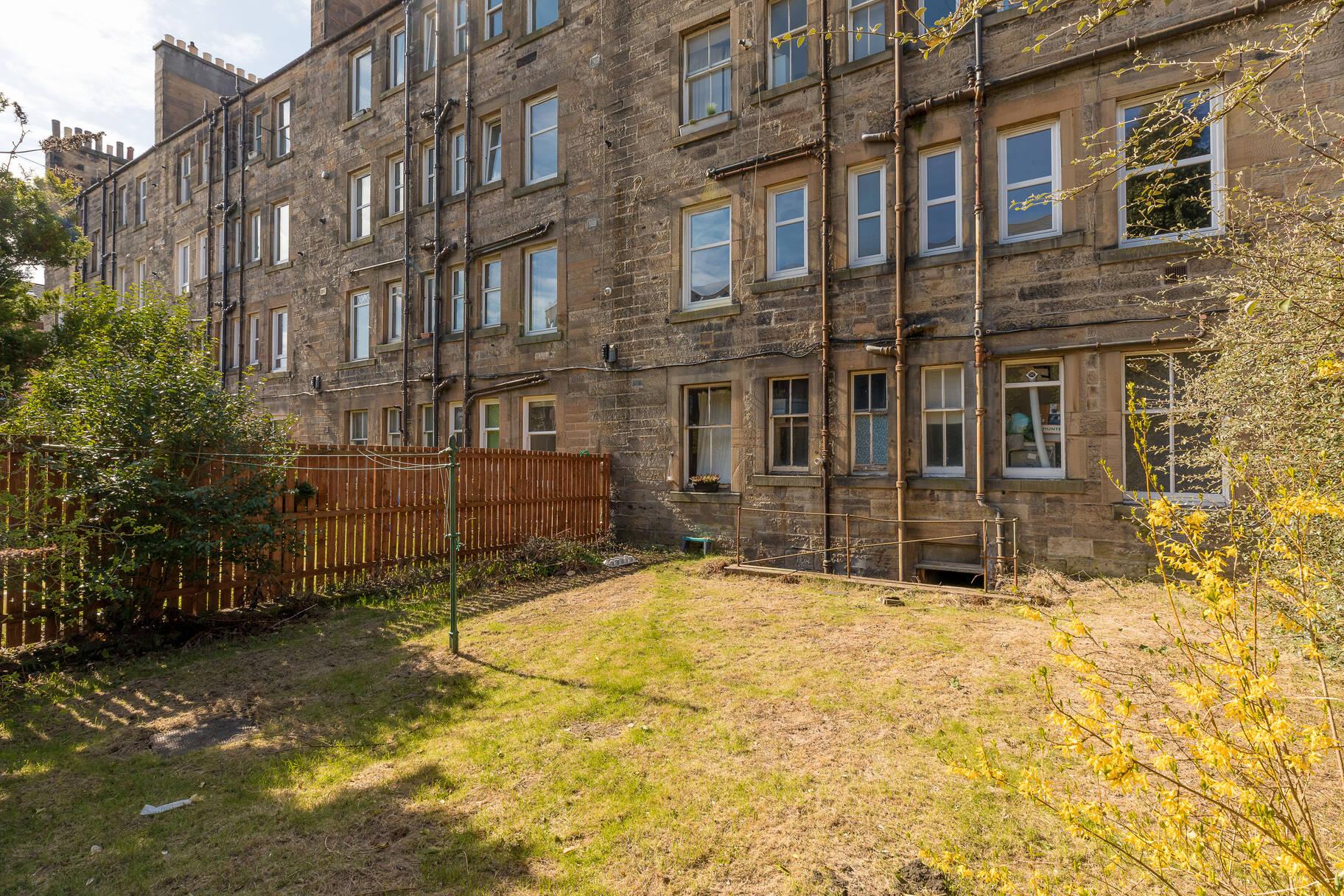 10/4 Hermand Terrace, Edinburgh, EH11 1QZ