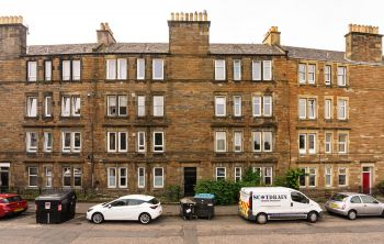 30 (PF4) Albion Road, Edinburgh