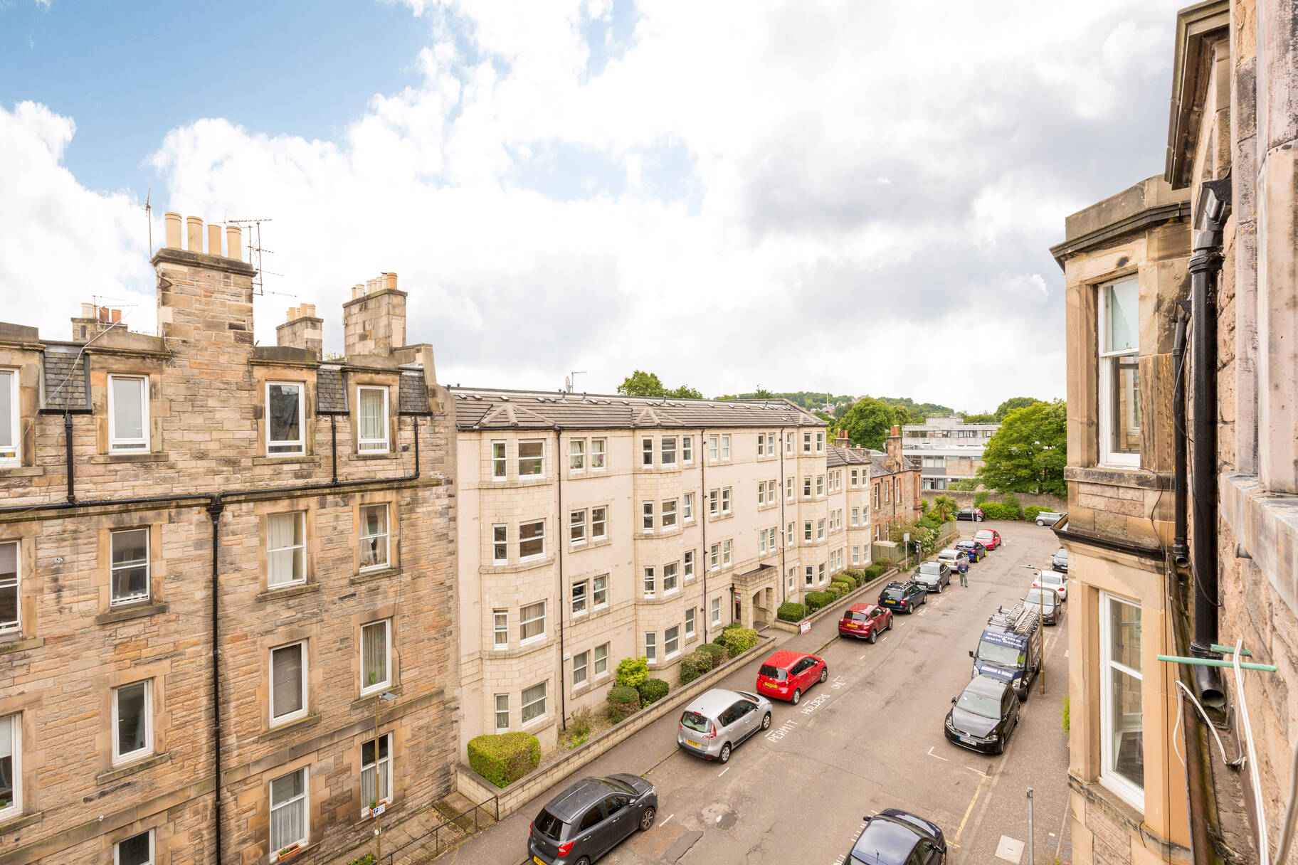 42 3F2 Millar Crescent, Edinburgh, EH10 5HH