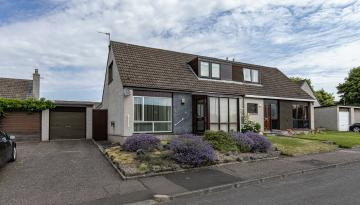38 Dyer's Court, Kelso