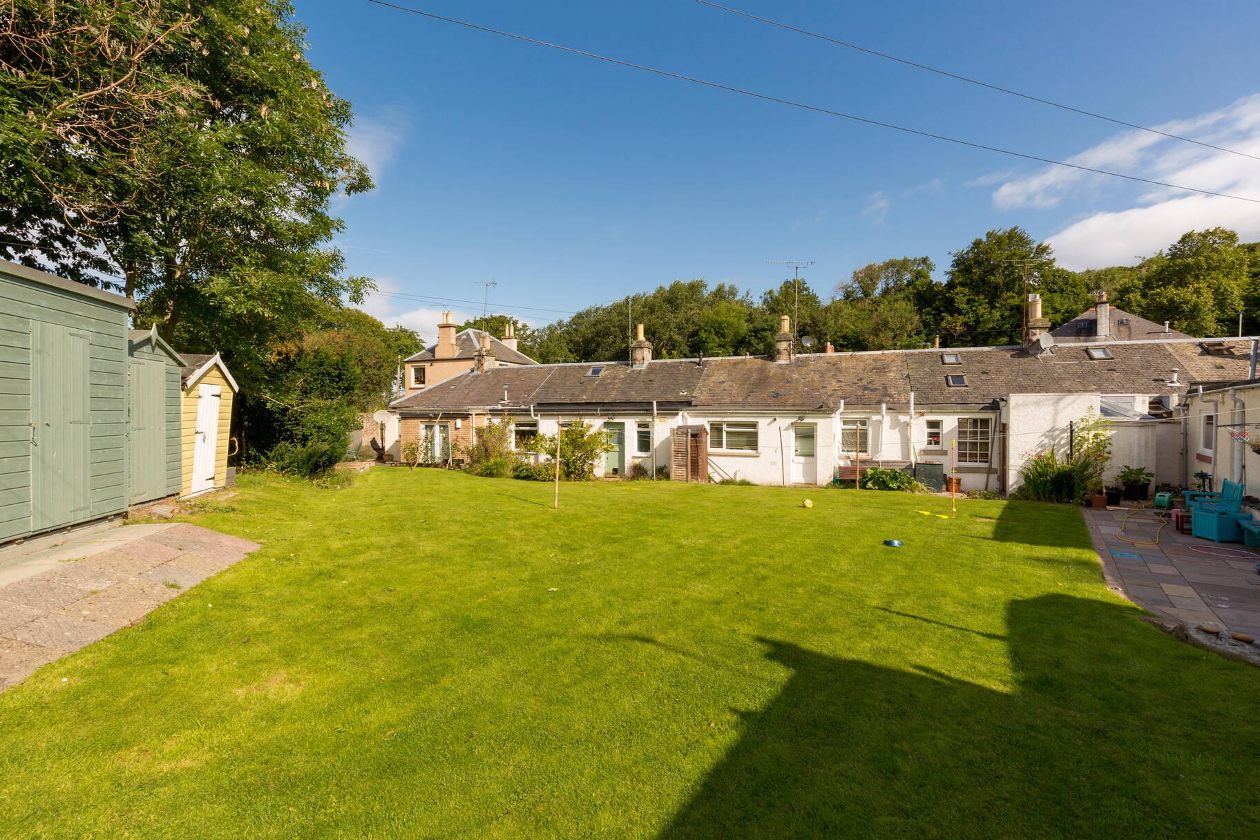 Jubilee Cottage, 2 Kingston Avenue, Liberton, Edinburgh, EH16 5SP