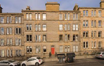 145 2F2 Broughton Road, Edinburgh