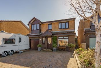 28 Stoneyflatts, South Queensferry