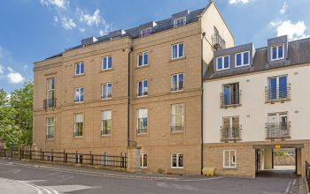 10/8 Hopetoun Crescent, Edinburgh
