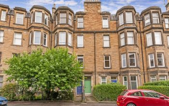 18/6 Millar Crescent , Edinburgh