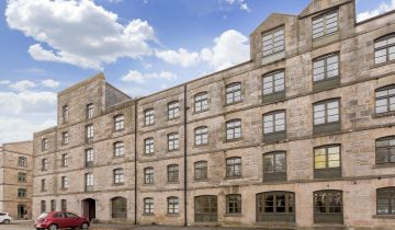 102/4 Commercial Street, Edinburgh