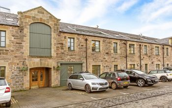 144/8 Commercial Street, Edinburgh