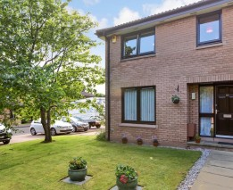 55 South Beechwood , Edinburgh , EH12 5YS